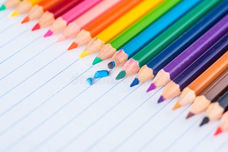 Grafite di matita blu di colore di Broked fotografia stock libera da diritti