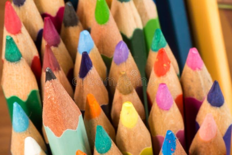 Grafite e matite colorate fotografie stock