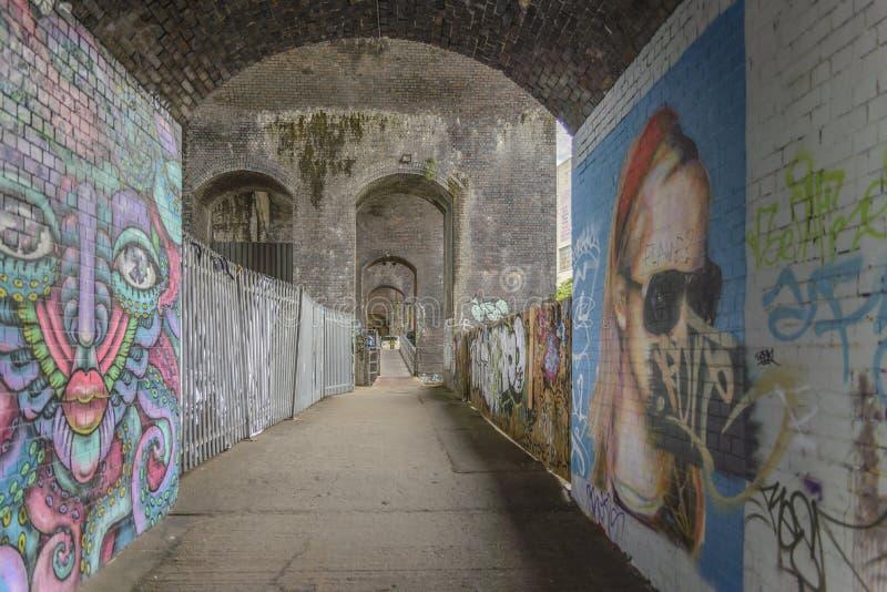 Grafitti välva sig i Digbeth, Birmingham royaltyfria foton