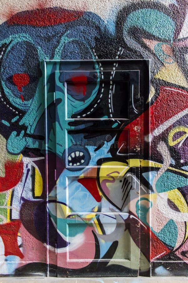 Grafittidörr royaltyfria foton