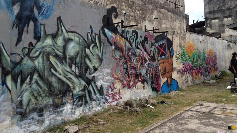 Grafittikonst i batupahat royaltyfria bilder
