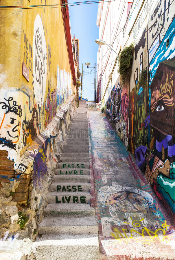 Grafittikonst i valparaiso, Chile royaltyfria foton