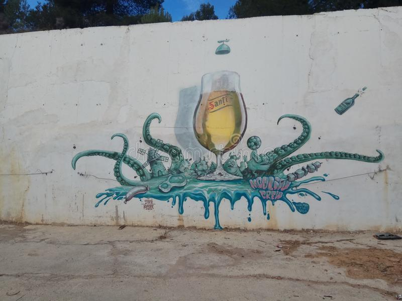 Grafittis da cerveja imagens de stock