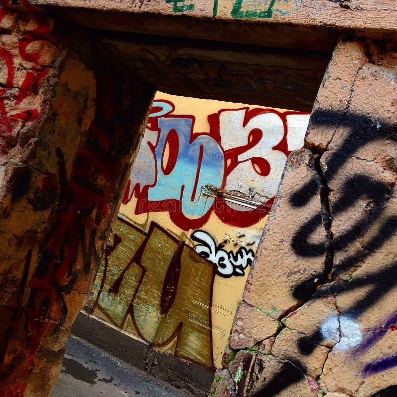 Grafittis em St Petersburg fotos de stock royalty free