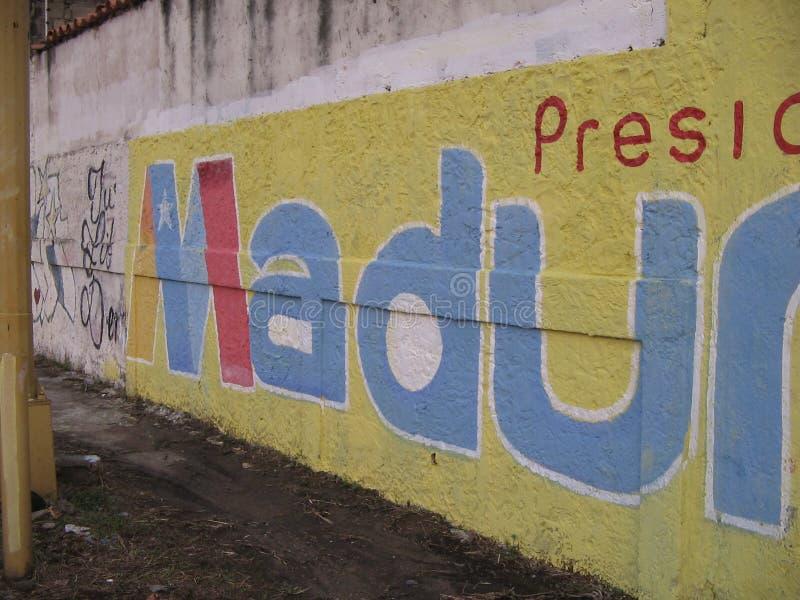 Grafittis presidenciais da rua em Ciudad Guayana, Venezuela imagens de stock