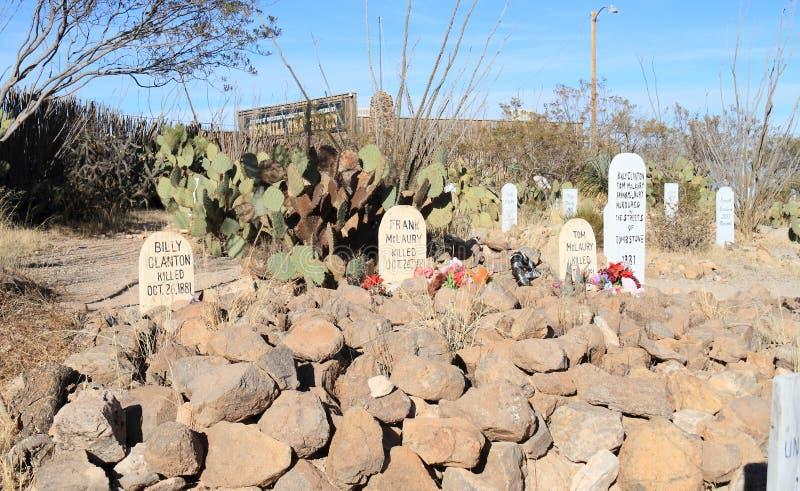 Grafsteen, Arizona: Oud het Westen/Laarsheuvelkerkhof - Graven van O K Drijf Cowboys bijeen stock fotografie