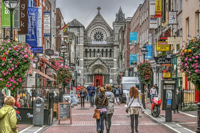 Grafton Street, Dublino, Irlanda fotografia stock libera da diritti