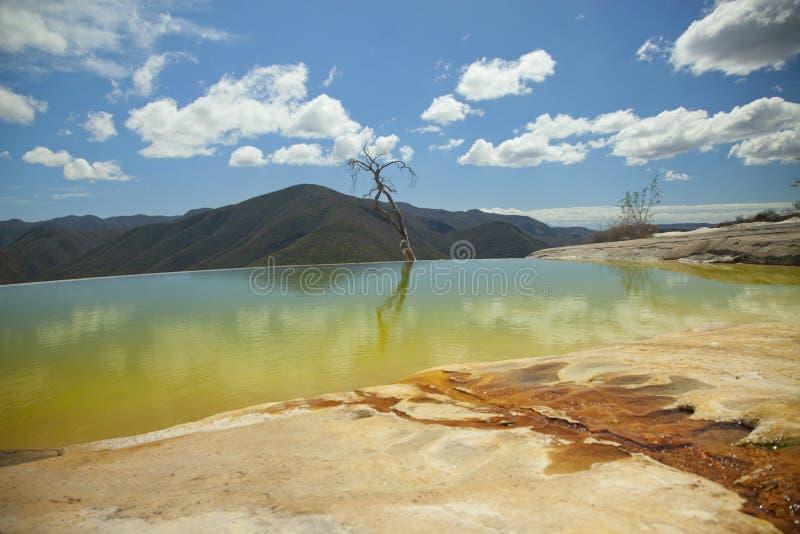 Gragua van Hierve in oaxacastaat, Mexico stock fotografie