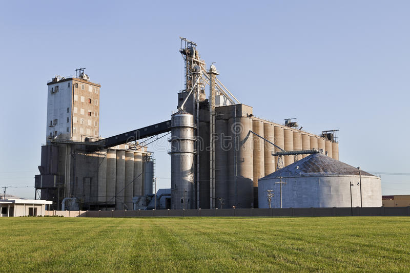 A Grain Co-op Facility. A Grain Co-op Feed Mill Facility in Illinois stock image