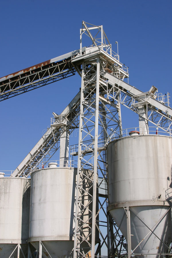 Download Grain Elevator Silos stock photo. Image of commerce, harbor - 520206