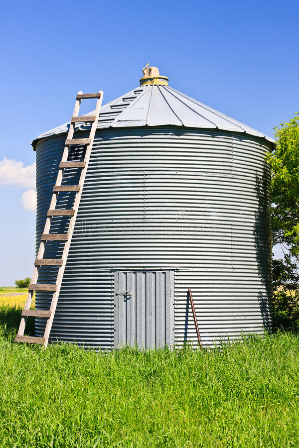 Free Grain Silo Royalty Free Stock Images - 15586309