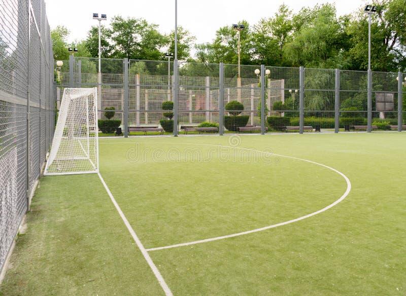 Grama artificial de Mini Football Goal On An imagens de stock
