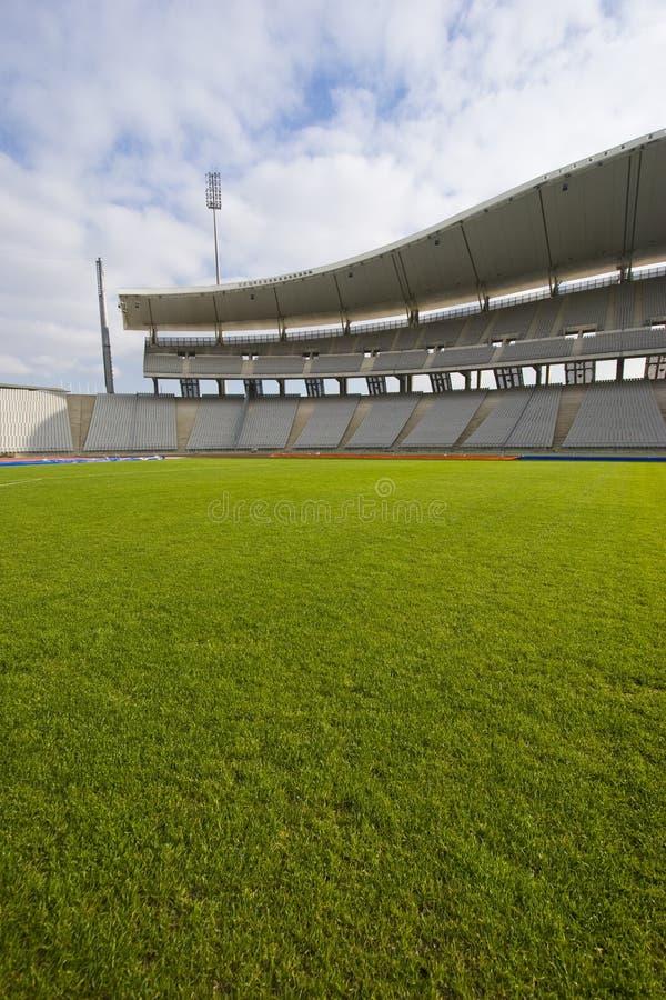 Grama verde e o estádio fotos de stock royalty free