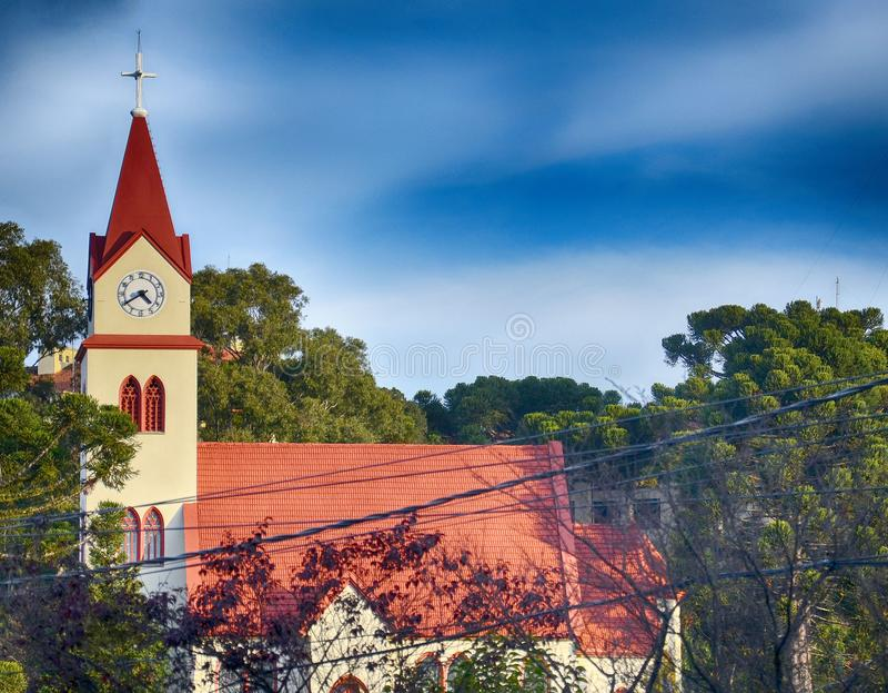 Gramado, Brasil: Arquitetura típica Gramado está para fora entre outras cidades para sua arquitetura bávara fotos de stock royalty free