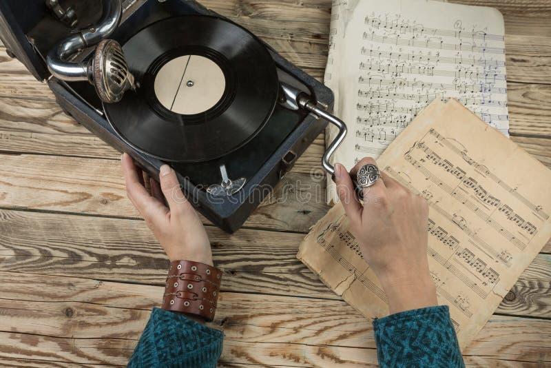Grammofono dell'annata fotografia stock libera da diritti