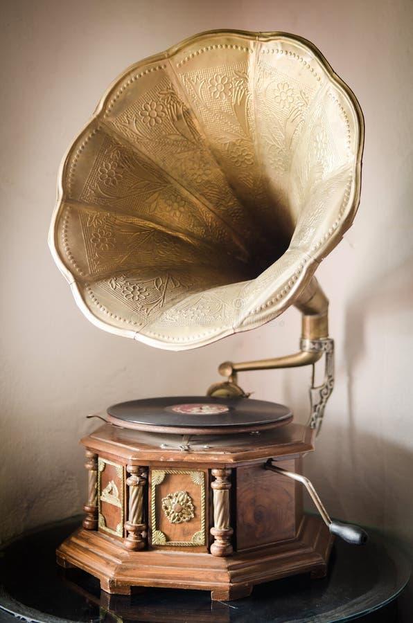 Grammofono vecchio fotografie stock