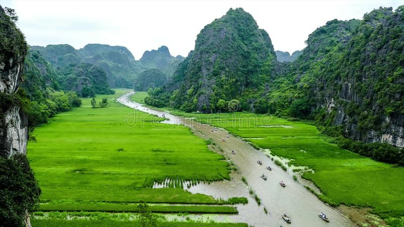 Grampo de Timelapse de Tam Coc Resort, província de Ninh Binh, Vietname video estoque