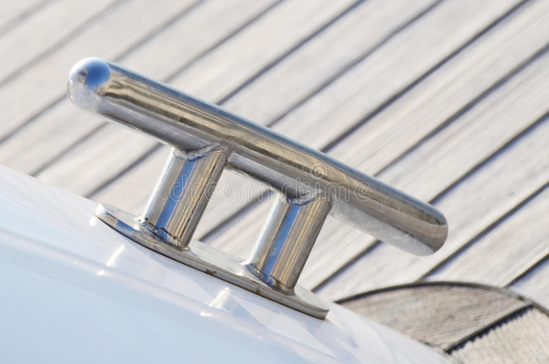 Grampo novo do veleiro, equipamento para manter cordas apertadas imagem de stock royalty free