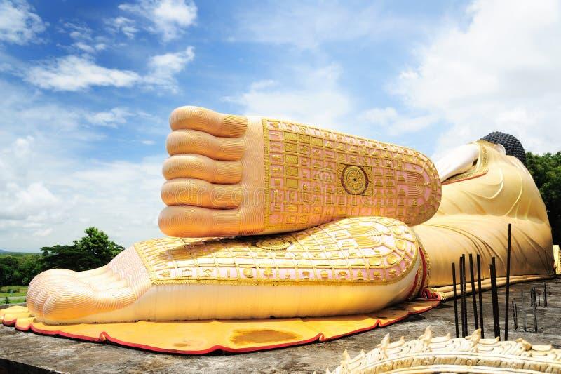 Gran Buda en el templo de Sutone Mongkonkiri Samukkeedhama foto de archivo libre de regalías