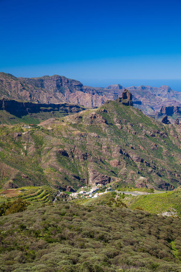 Gran Canaria, взгляд от Cruz de Tejeda к Roque Bentayga стоковые изображения