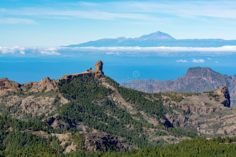 Gran Canaria-het landschap van eilandbergen, mening van hoogste piekpico DE las Nieves aan Roque Nublo en zet Teide op Tenerife o royalty-vrije stock afbeelding