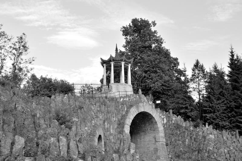 Gran capricho del pabellón en el parque de Alexander imagen de archivo