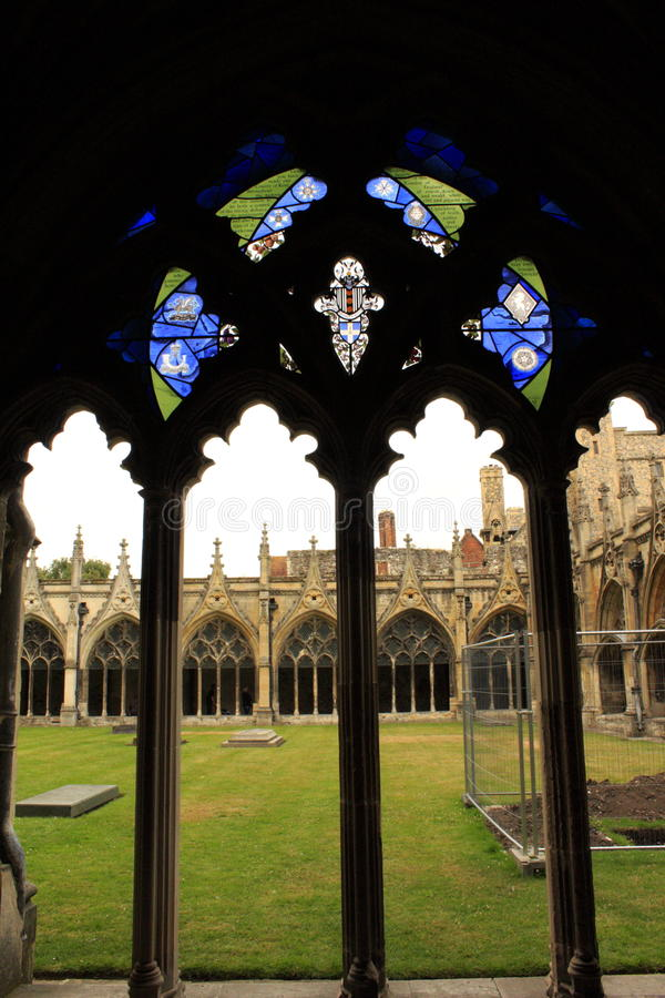 Gran catedral de Cantorbery del claustro fotografía de archivo