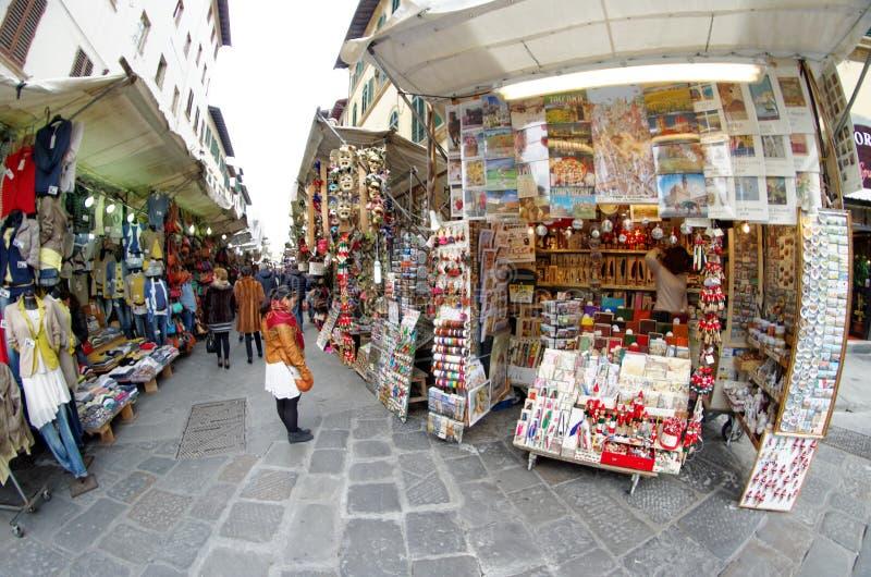 Gran Mercato marknad nära San Lorenzo i Firenze Florence, Italien arkivbild