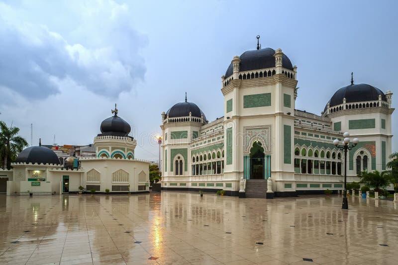 Gran mezquita de Medan o de Masjid Raya Al Mashun fotografía de archivo
