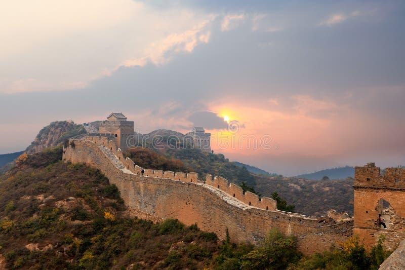 Gran Muralla en puesta del sol fotografía de archivo libre de regalías