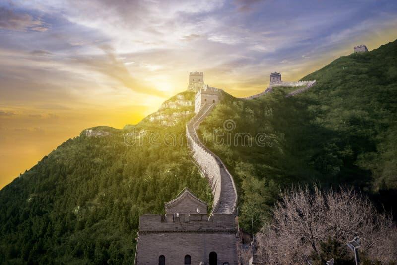 Gran Muralla hermosa de China en el tiempo de la salida del sol imágenes de archivo libres de regalías
