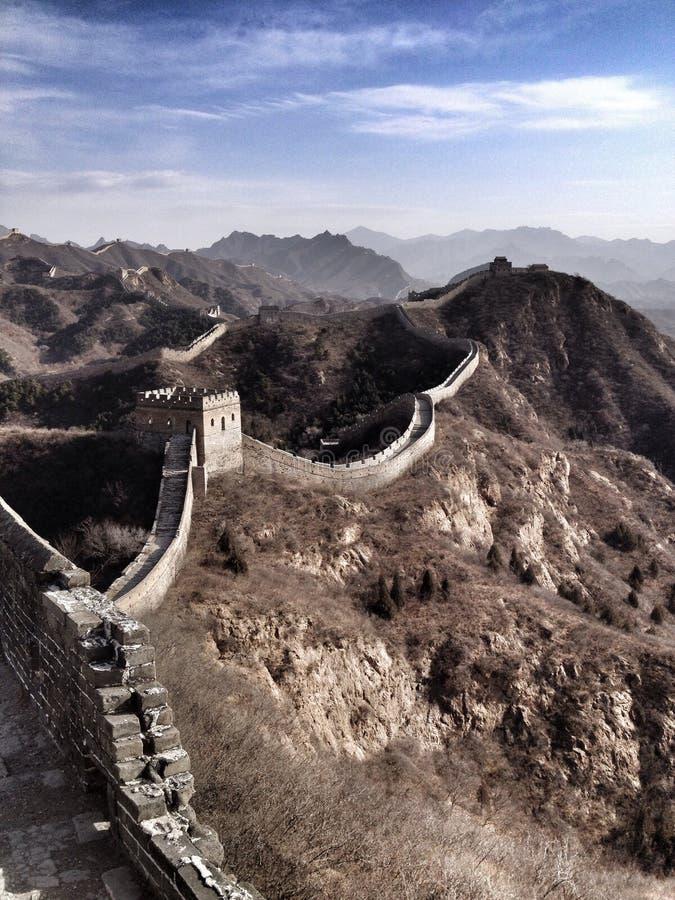 Gran Muralla que arrastra a través de las colinas foto de archivo