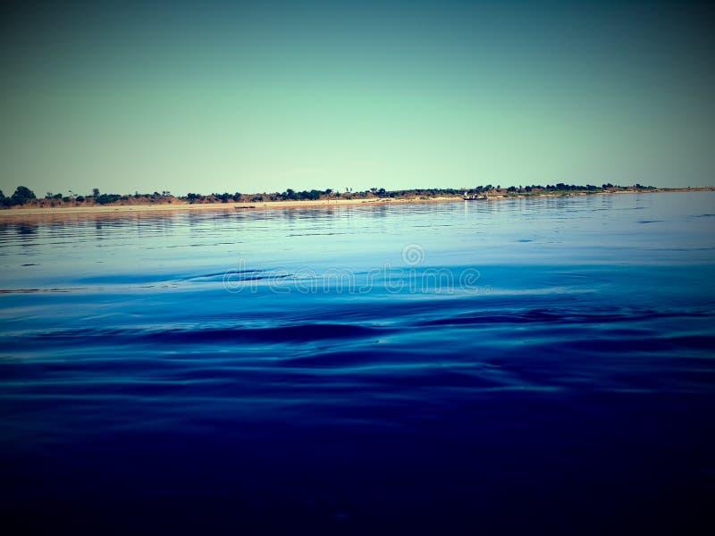 Gran opinión del río imagenes de archivo