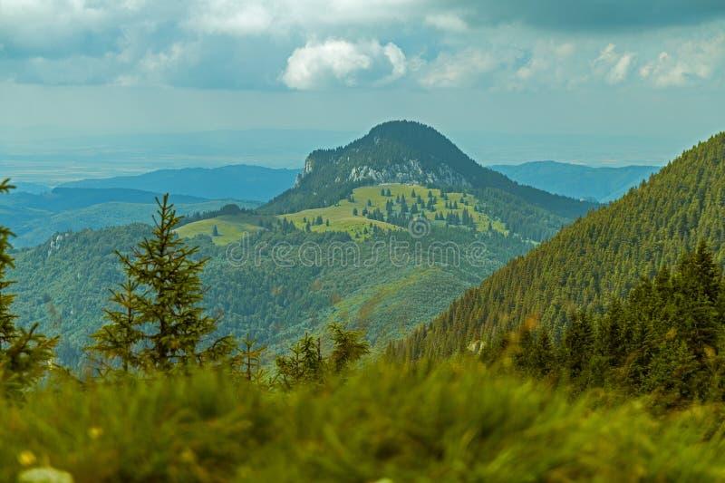 Gran paisaje de la montaña imagen de archivo libre de regalías