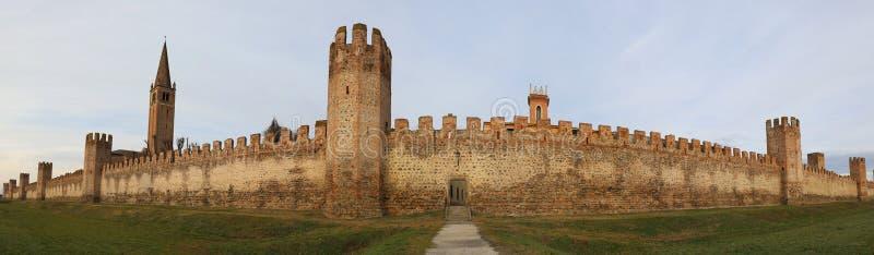Gran pared medieval de la ciudad de la ciudad de MONTAGNANA en Italia septentrional fotografía de archivo libre de regalías