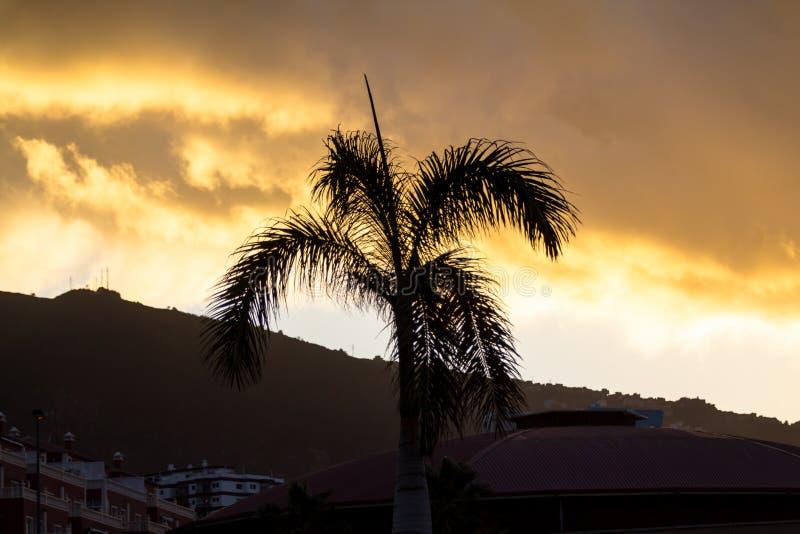 Gran puesta del sol imágenes de archivo libres de regalías