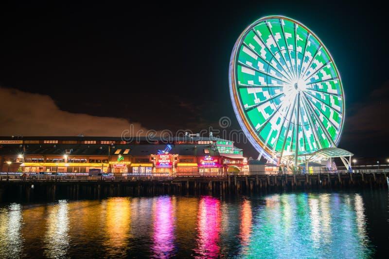 Gran rueda de Seattle en la noche fotografía de archivo libre de regalías