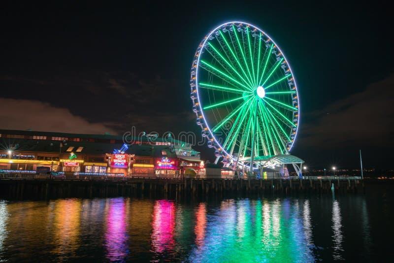 Gran rueda de Seattle en la noche imágenes de archivo libres de regalías