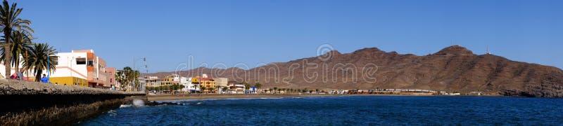 GRAN TARAJAL FUERTEVENTURA 10 DE FEVEREIRO DE 2019 - praia e vila Gran Tarajal em Fuerteventura, Espanha fotografia de stock royalty free