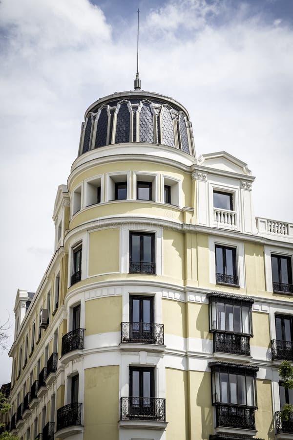 Gran via, Beeld van de stad van Madrid, zijn kenmerkend archit royalty-vrije stock fotografie