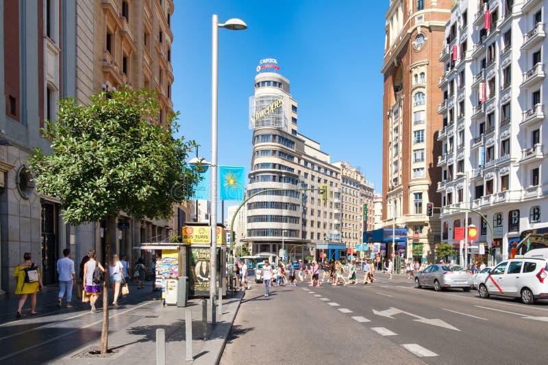Gran via, ett av de mest berömda områdena i Madrid arkivbild