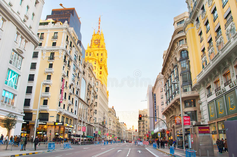 Gran via gatan madrid spain royaltyfri bild