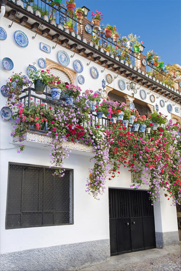 Granada - a casa desnucleada em Albazyin fotografia de stock