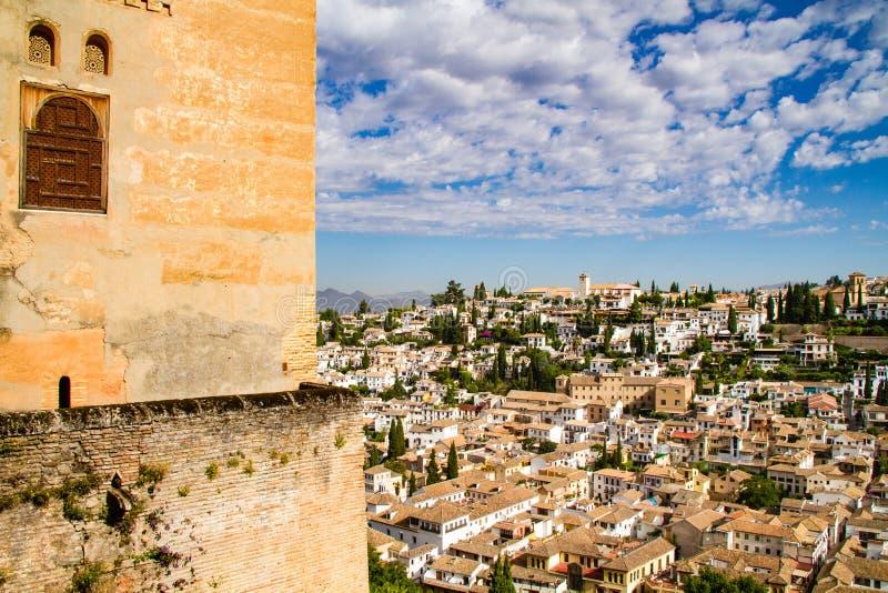GRANADA, España la ciudad vieja de Granada vista de Alhambra Destinaci?n hermosa del recorrido imagen de archivo libre de regalías