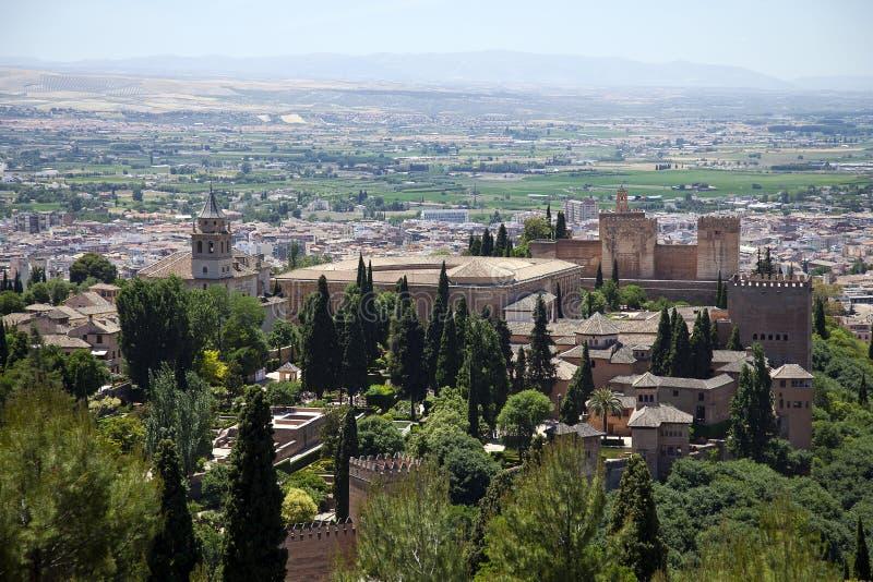 Granada met Alhambra, mooie historische stad in het hart van Andalusia, Spai met Alhambra stock afbeeldingen