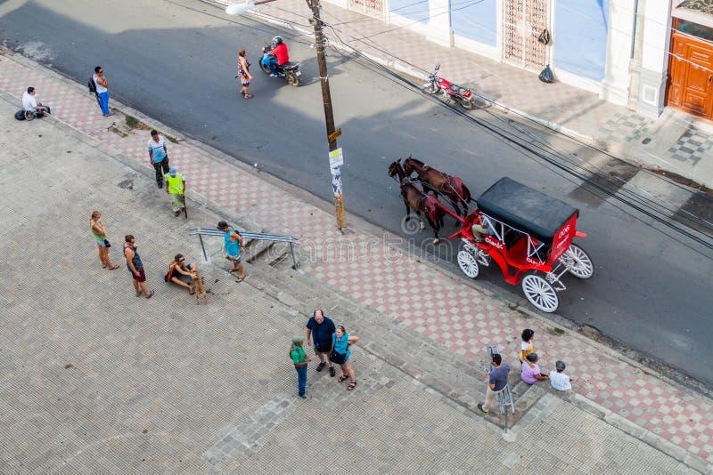 GRANADA, NICARÁGUA - 28 DE ABRIL DE 2016: Vista aérea de uma rua em Granada, Nicarag imagem de stock