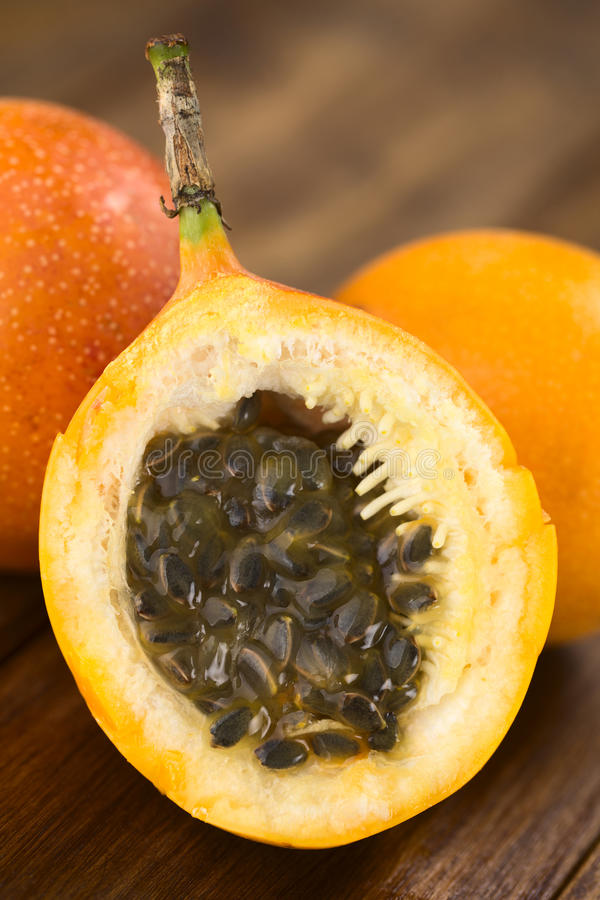 Granadilho doce ou fruto de Grenadia fotografia de stock royalty free