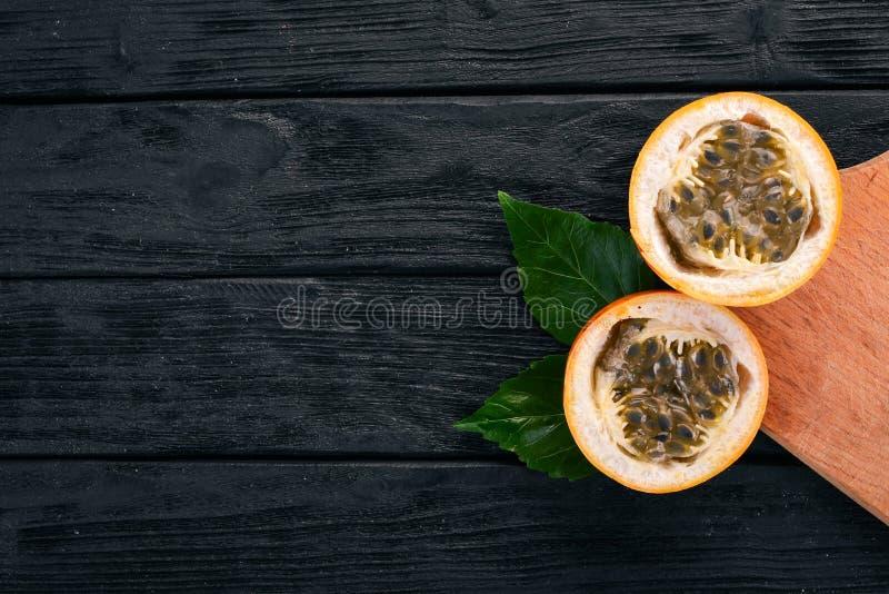 Granadilla τροπικά εξωτικά φρούτα στοκ εικόνες με δικαίωμα ελεύθερης χρήσης