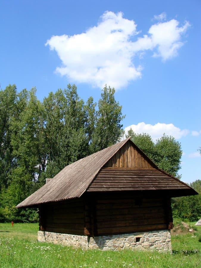 Download Granaio fotografia stock. Immagine di remote, prato, farmstead - 7322226
