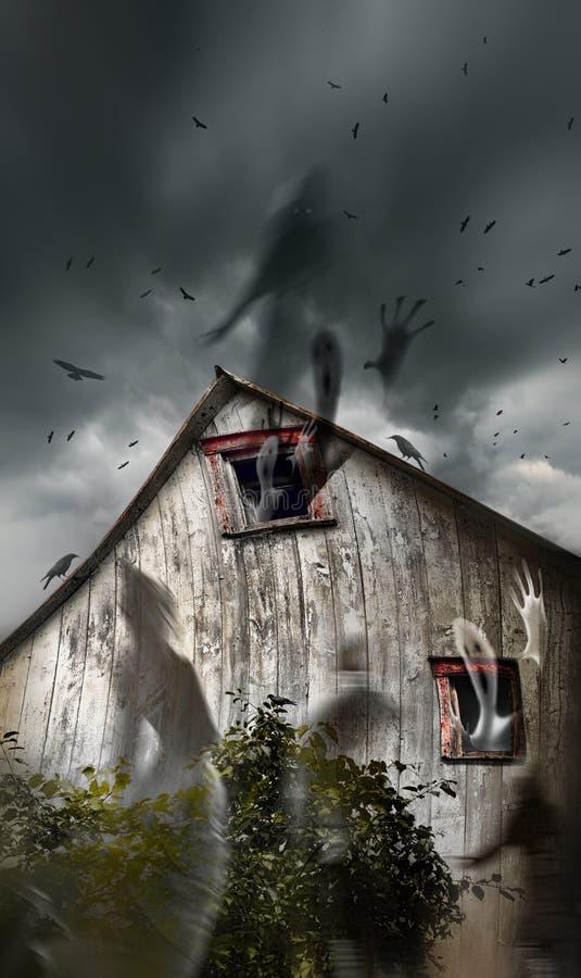 Granaio frequentato con i fantasmi che volano ed i cieli scuri immagini stock libere da diritti